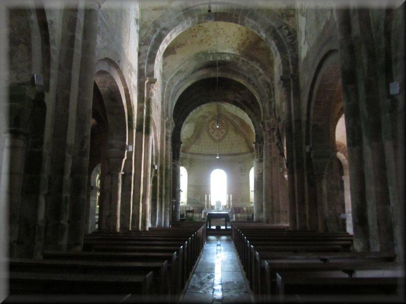 La Nef de l'Eglise de Mont Saint Vincent