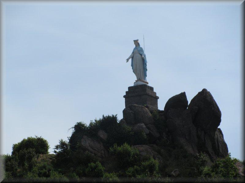 La Statue de La Vierge de Suin