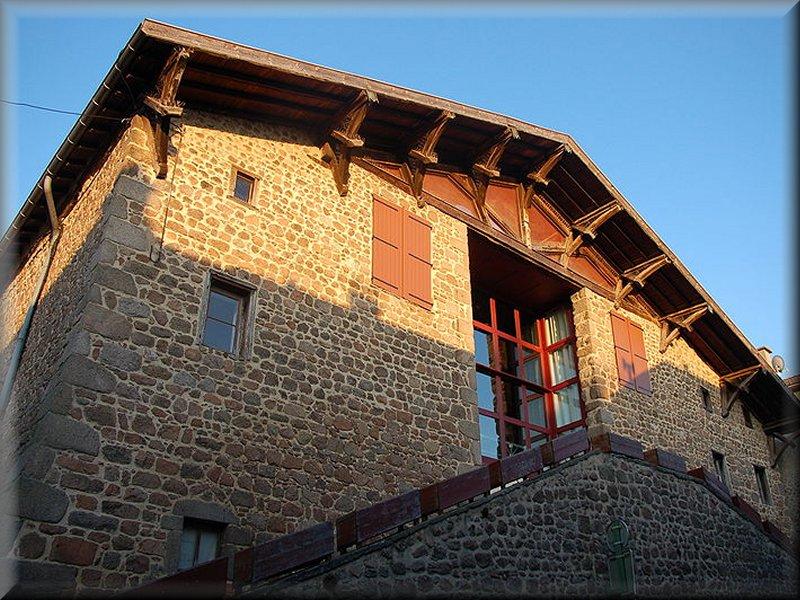 Les Halles de Montrottier