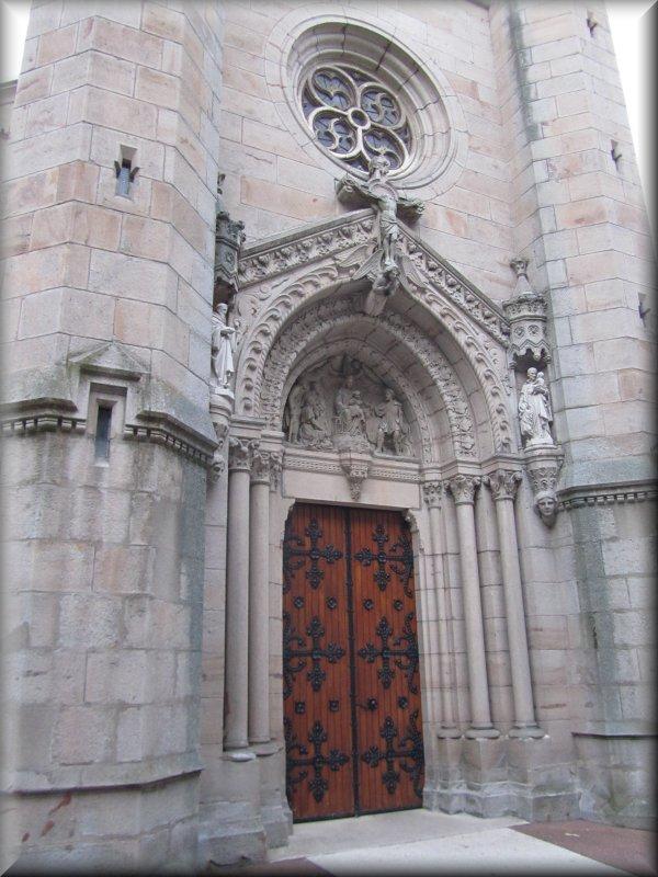 Porche de l'Eglise de Valfleury