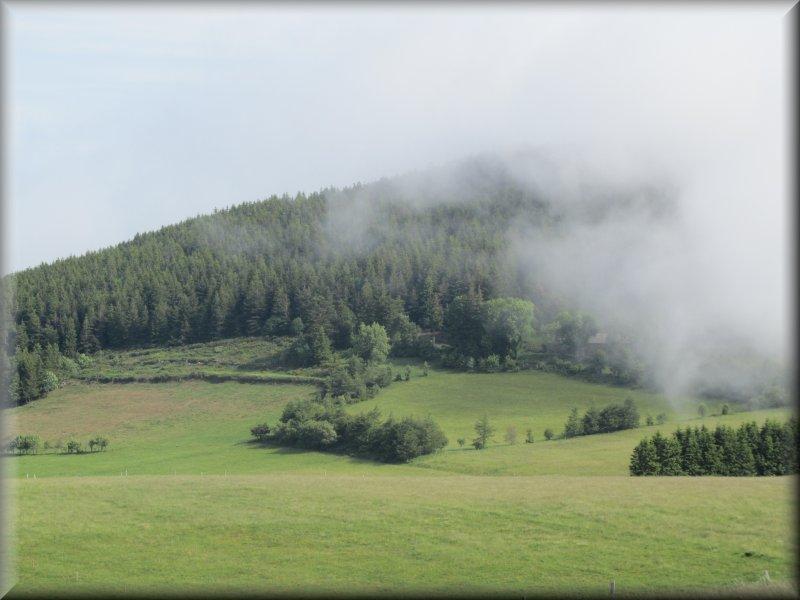 Les Nuages Cachent le Mont Signon