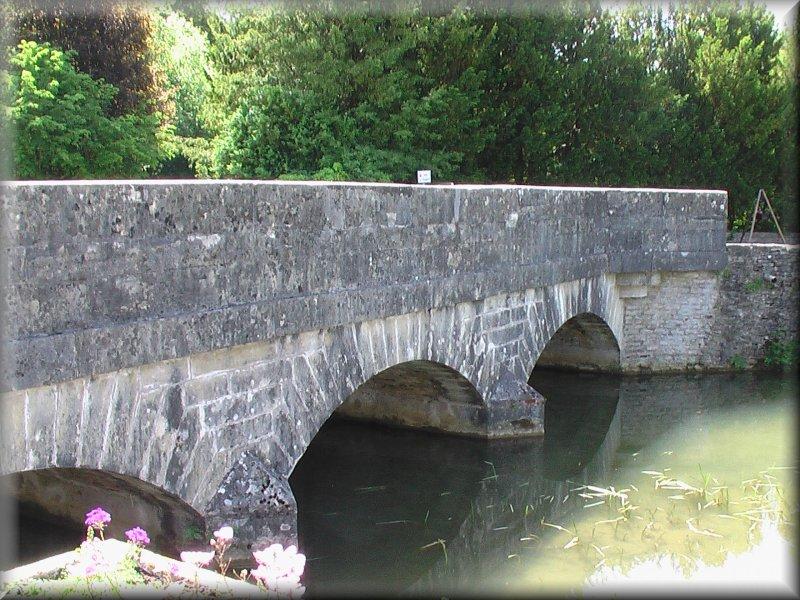 Le Pont sur la Tille à Avot