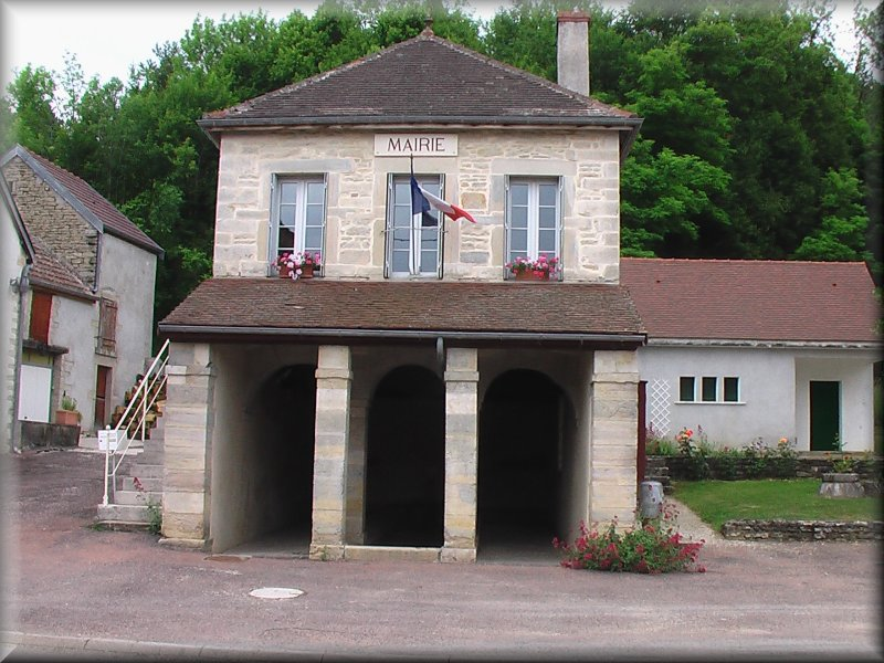 Mairie et Lavoir de Reulles Vergy