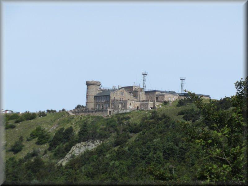 Une Autre Vue de l'Observatoire du Mont Aigoual sur le Sentier des Botanistes