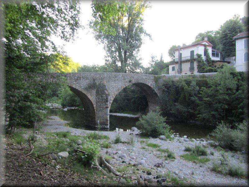 Le Vieux Pont à Avèze