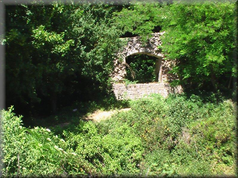 Les Ruines du Château de Montaigu