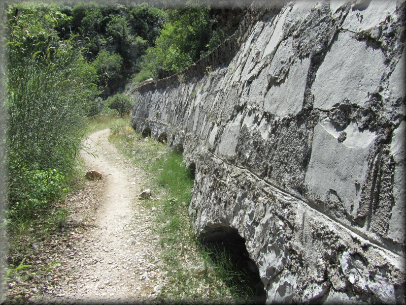 Le Long du Canal de Dérivation EDF