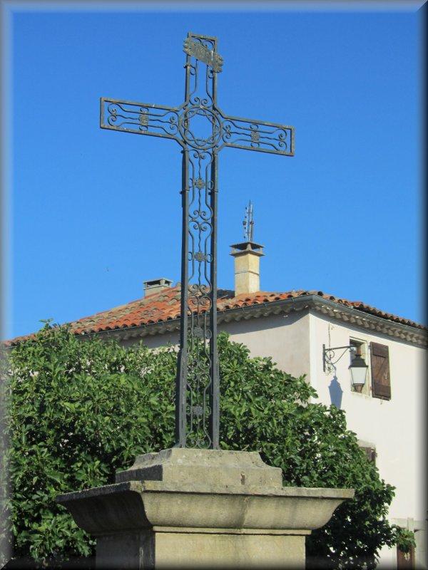 Une des Nombreuses Croix sur le Parcours