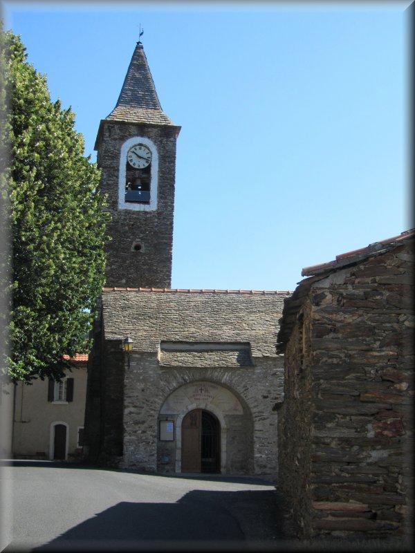 Eglise et Mairie de Combes