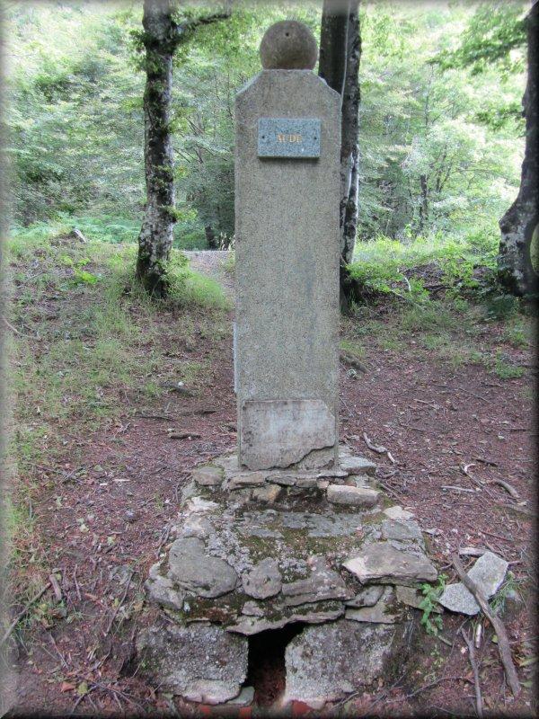 La Borne des Trois Evêques, Aude