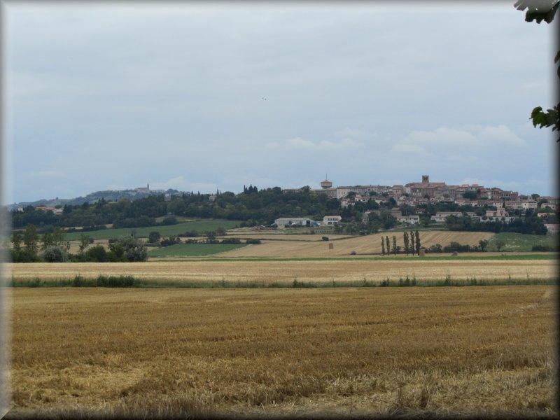 Villasavary et au Loin, à Gauche, Fanjeaux
