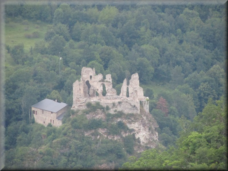 Les Ruines du Château d'Husson