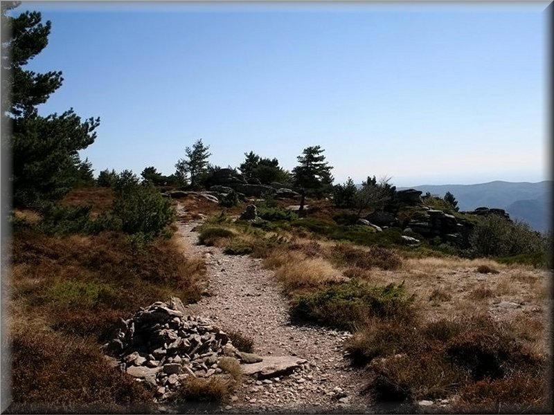 Le Sentier Avant Font Salesse