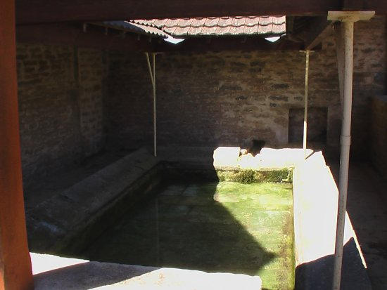 lavoir-Chamilly.jpg