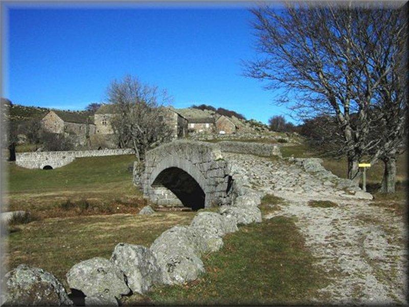 Pont sur l'Alignon à l'Aubaret
