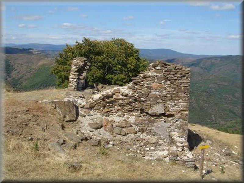 Ruine au Col de Salidés
